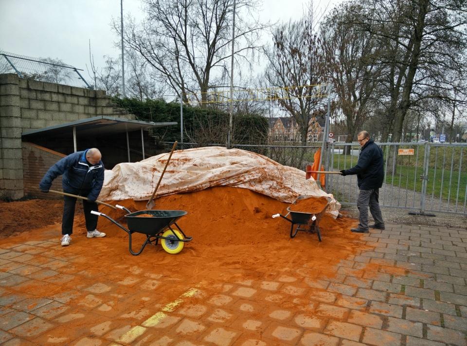 Aanvoer nieuw gravel